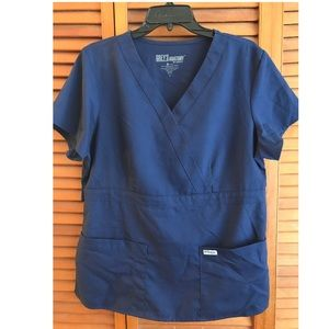 Grey's Anatomy Womens Three-Pocket scrub top